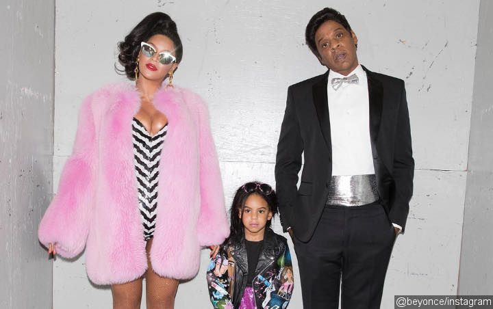 Beyonce and Jay-Z Take Blue Ivy and Twins to Park to Show Christmas Gift for His Grandmother