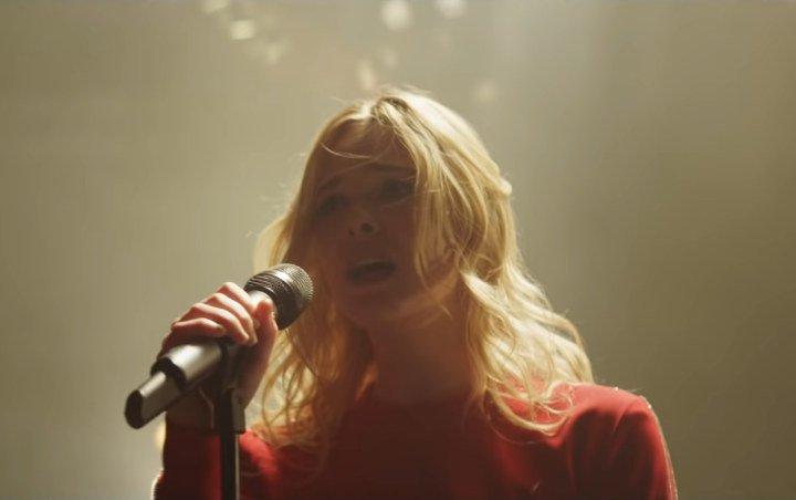 Elle Fanning Is Horse-Girl-Turned-Pop-Sensation in First 'Teen Spirit' Trailer