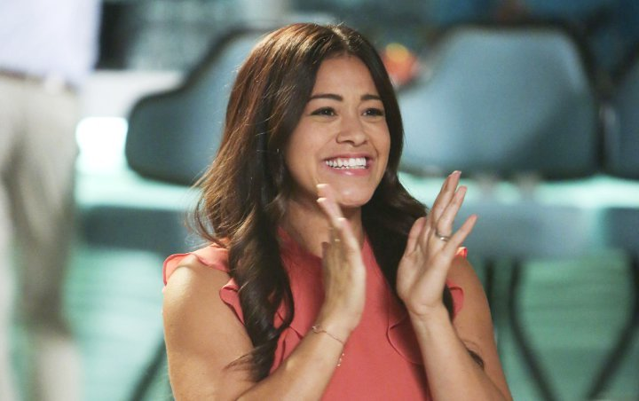 Report: The CW Developing 'Jane the Virgin' Spin-Off With Gina Rodriguez Narrating