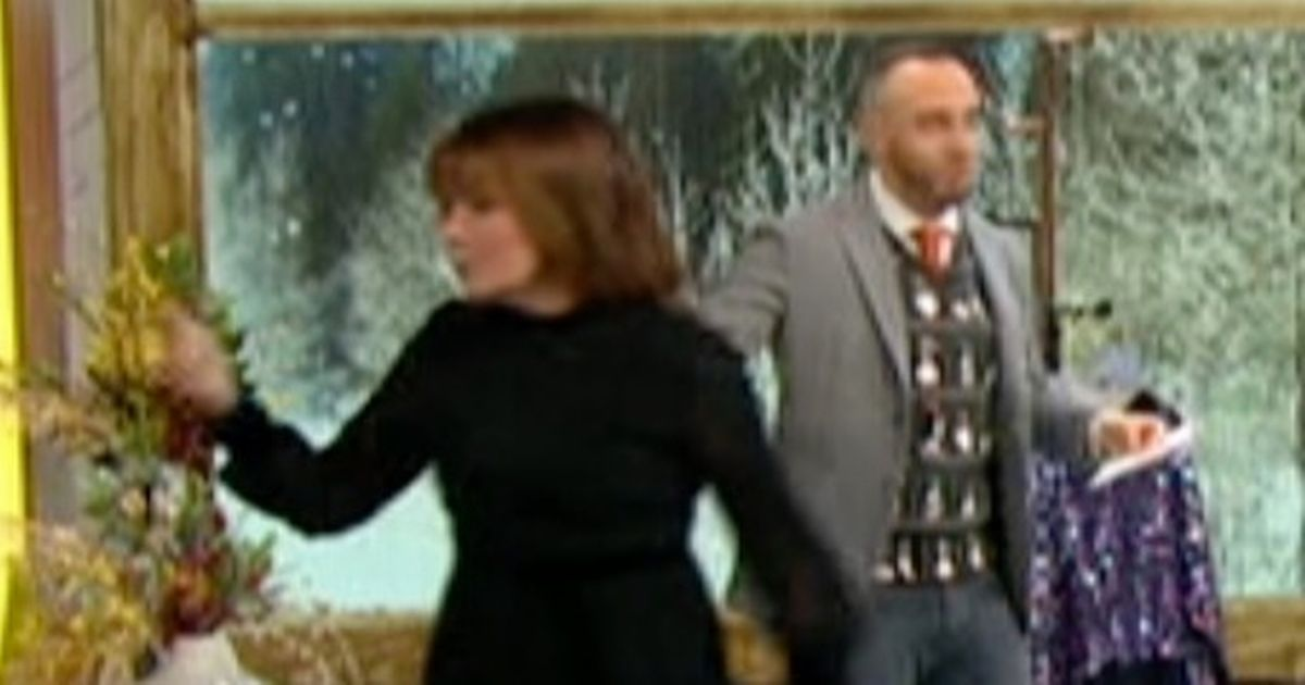 Lorraine Kelly walks off her own show in shocking moment