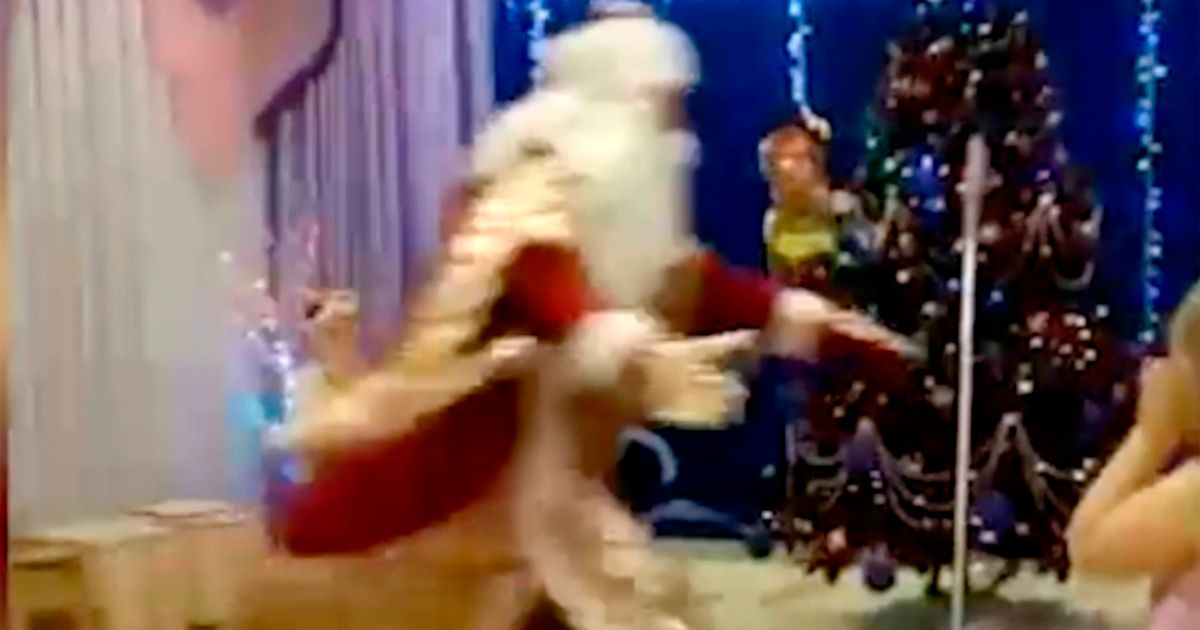 Santa Claus collapses and dies in front of children at school Christmas party