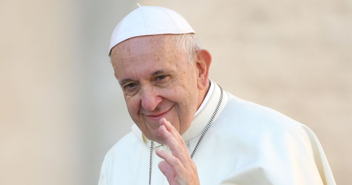 Pope Francis says gay men shouldn't be able to join Catholic clergy