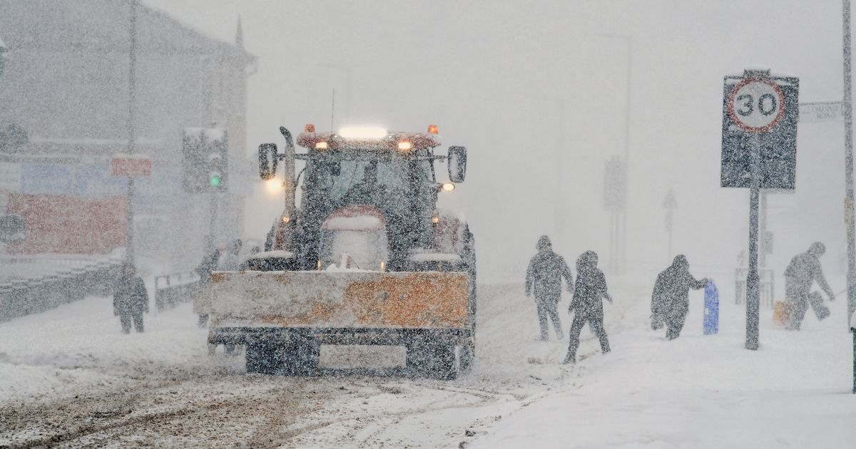 Storm Deirdre to hit Britain today with freezing rain and heavy snow