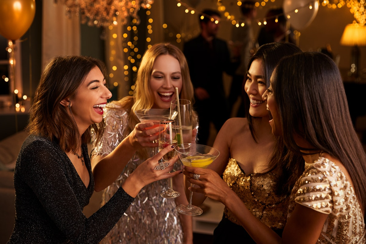 5 Tips For Throwing Your First Holiday Party Ever