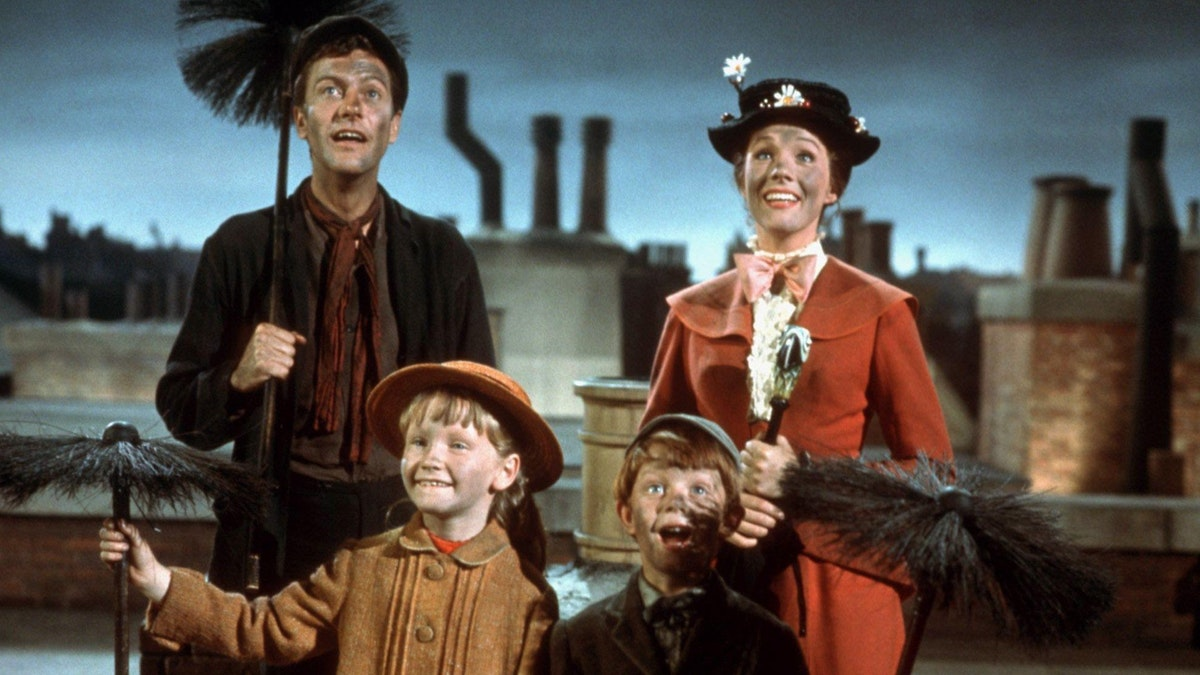 Mary Poppins Is The Iconic Single Woman Who Showed Me That Being Alone Is OK