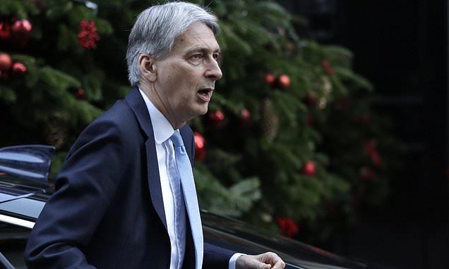 Philip Hammond set to unlock £2billion in no deal Brexit funds