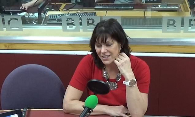 Minister interrupts interview to compliment journalist's LIPSTICK
