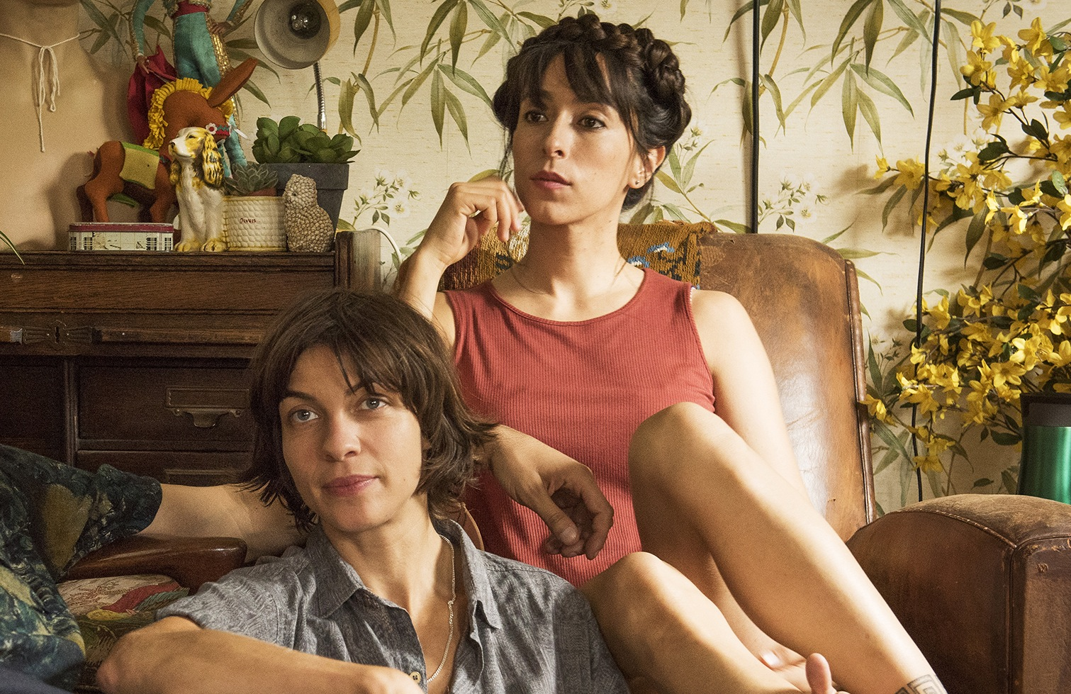 Two 'Game of Thrones' Actresses Lead Charming Lesbian Romance 'Anchor and Hope'