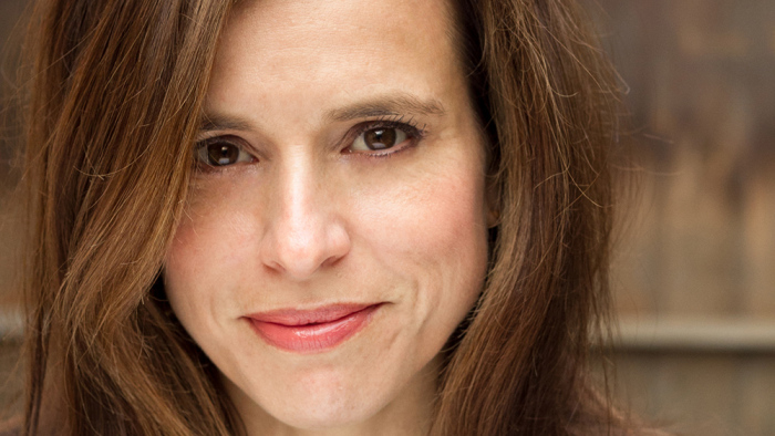 'The Passage' Writer Liz Heldens Inks New Overall Deal at 20th Century Fox TV