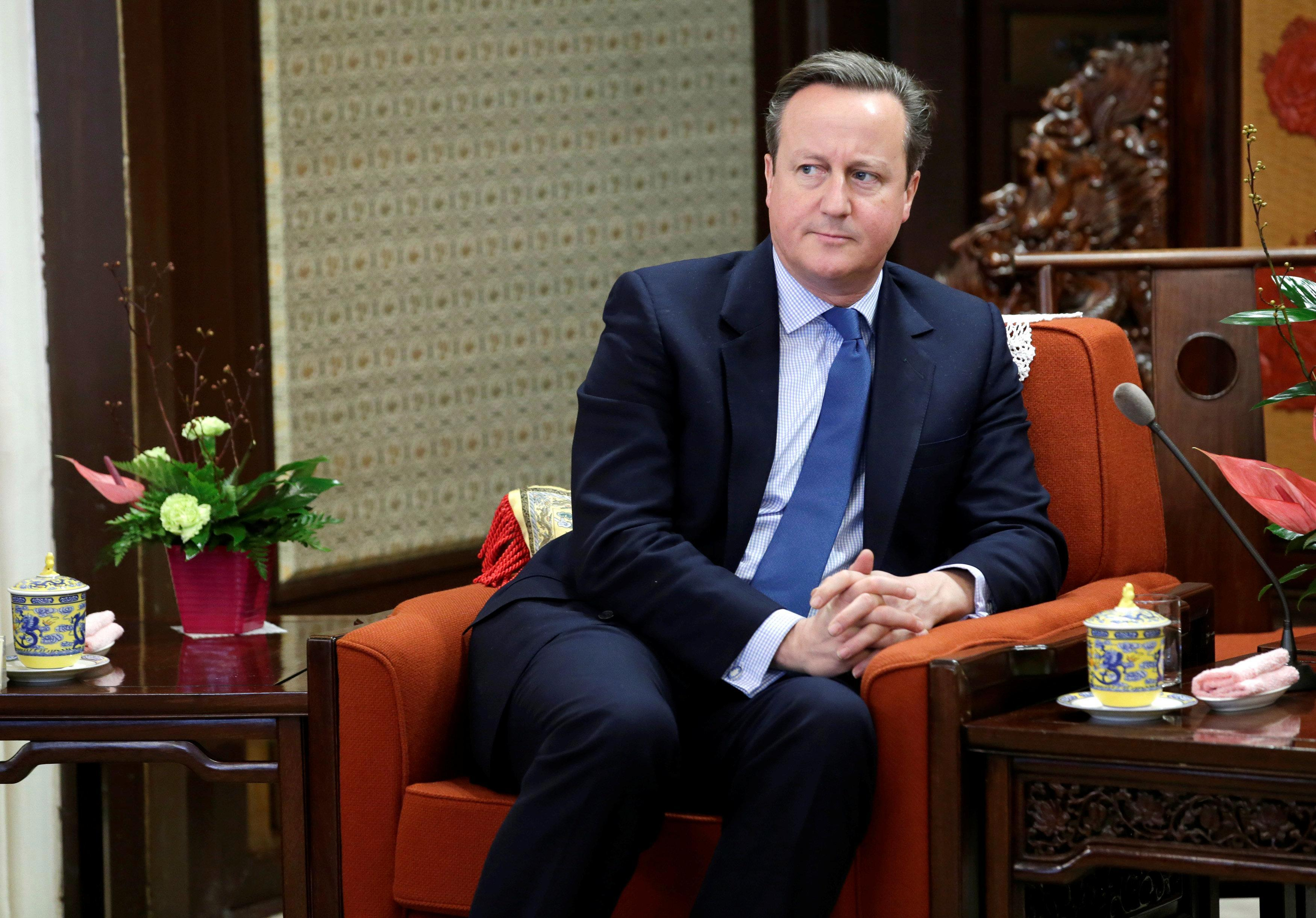 Theresa May is being advised by David Cameron on how to pass her Brexit deal