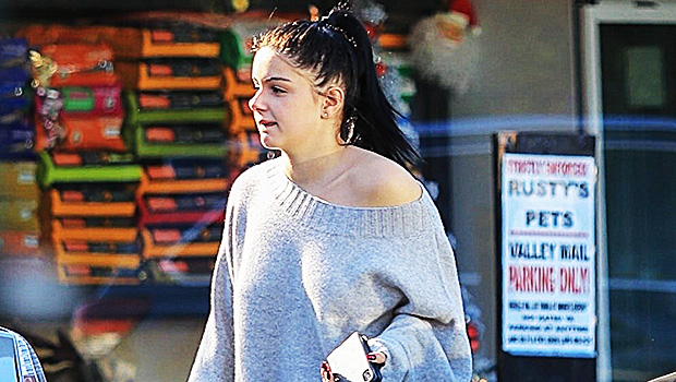 Ariel Winter & 6 More Stars Showing Skin In Off-The-Shoulder Sweaters