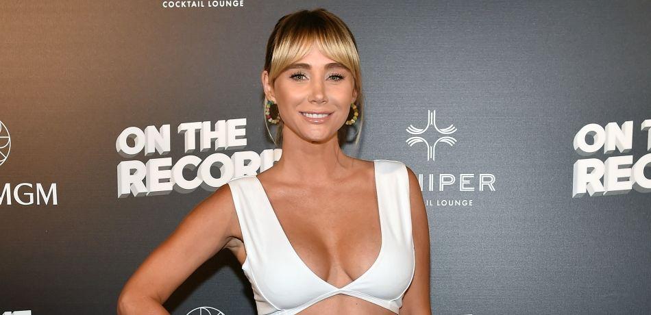 'Playboy' Playmate Sara Underwood Rocks White Bra & Panties While Eating Breakfast In Bed