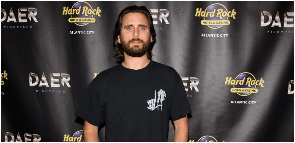 Scott Disick Bothered By Kourtney Kardashian's Relationship With Travis Barker, Per 'HL'