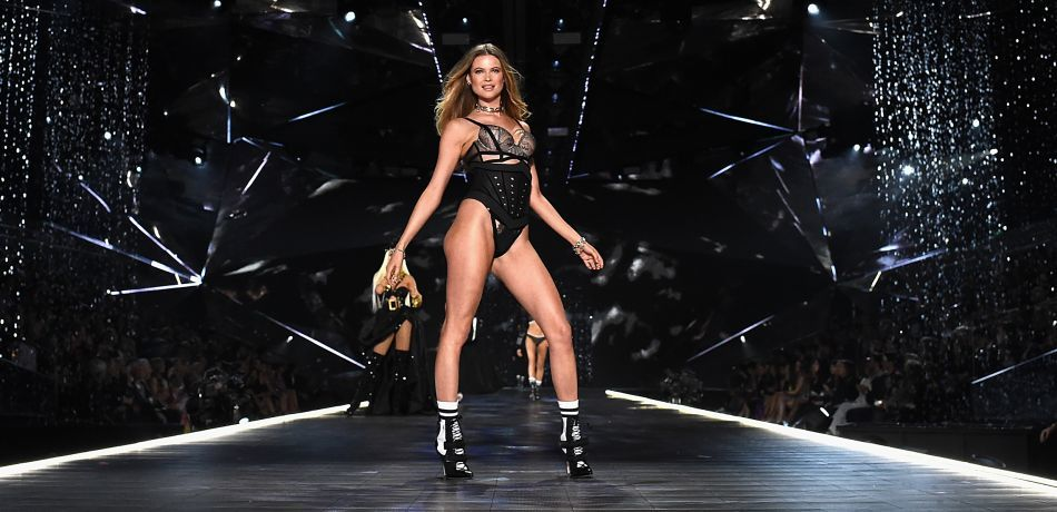 Watch 2018 Victoria's Secret Fashion Show Livestream: Where To Find Streaming Video For Phones, Mobile Devices