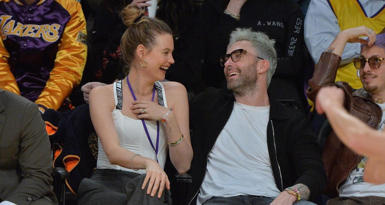 Adam Levine & Behati Prinsloo Show Courtside PDA During Lakers' Game