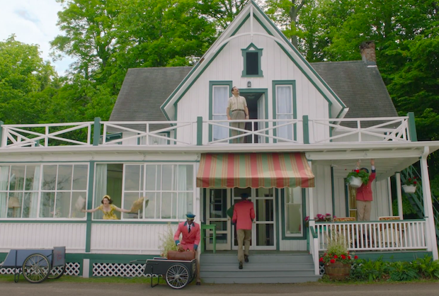 Marvelous Mrs. Maisel Season 2: Here's How They Pulled Off That Ambitious Catskills Cottage Set Piece — Without a Single Cut (Plus, Watch It Again!)