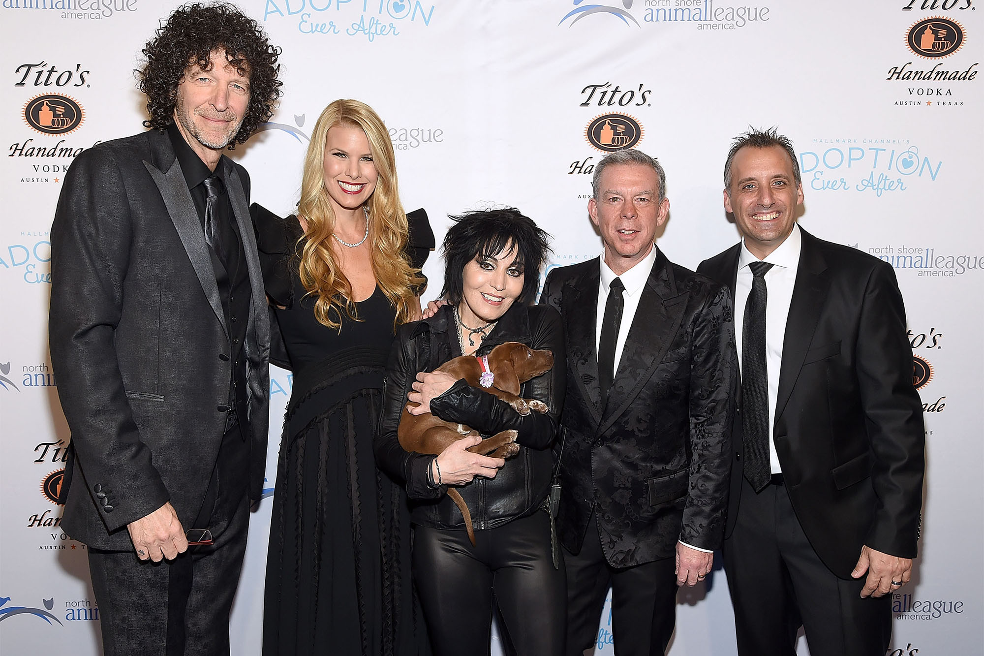 Elvis Duran honored to meet his idol Howard Stern
