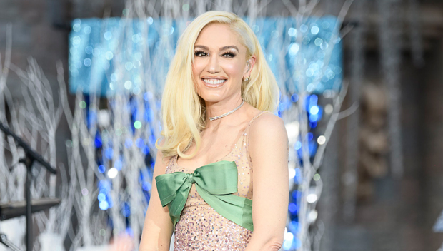 Gwen Stefani Graces Disney's Christmas Parade In Princess Carriage & Performs In Fairytale Dress