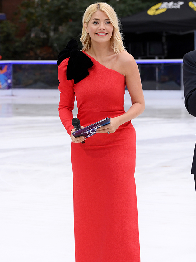Holly Willoughby will play cupid during Dancing On Ice 2019