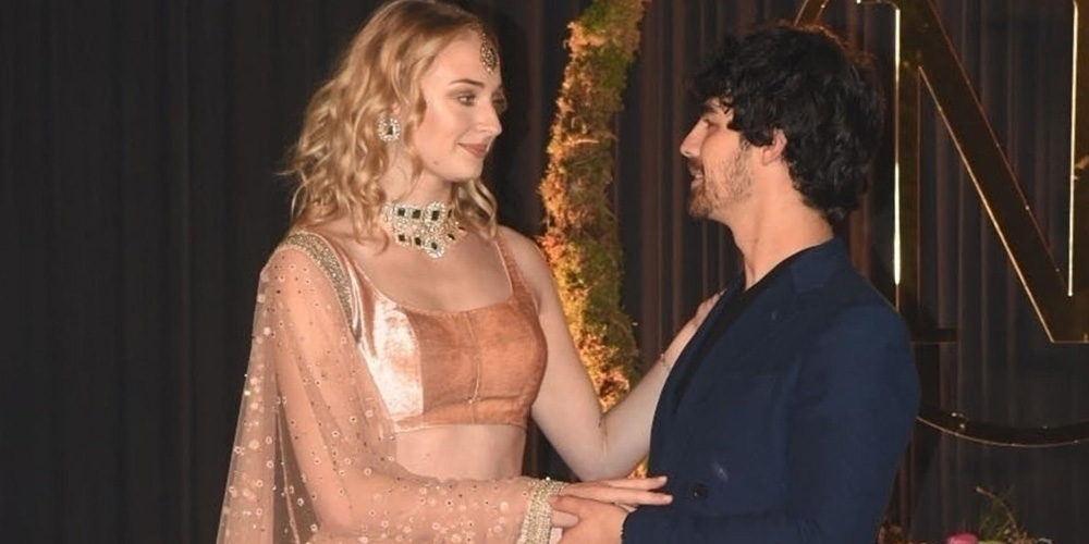 Joe Jonas & Sophie Turner Look Happy to Celebrate at Nick Jonas & Priyanka Chopra's Wedding Reception in India!