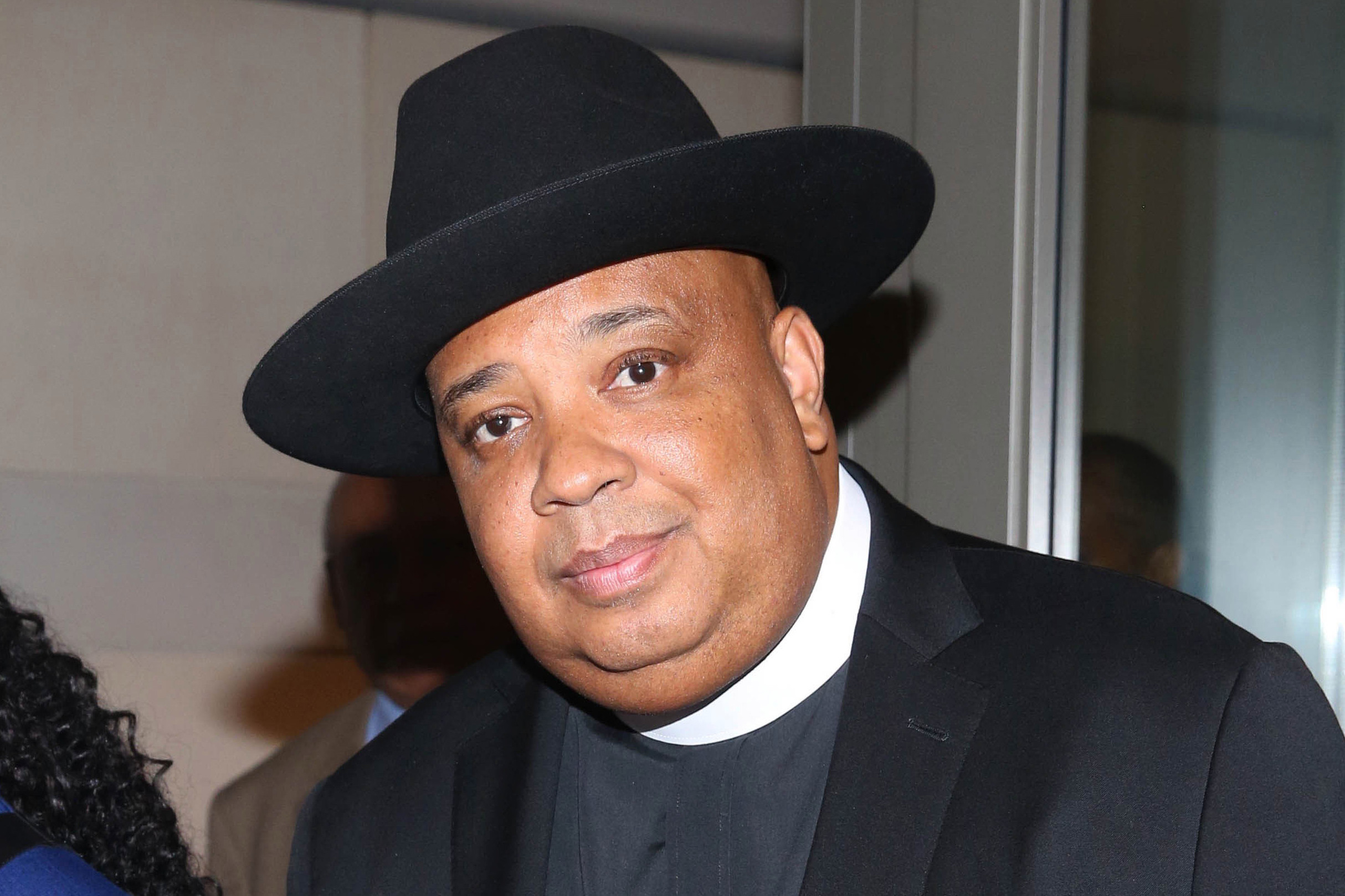 Rev Run was high when he wrote 'Christmas in Hollis'