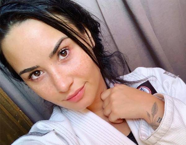 Demi Lovato's Friend Shares Photos of Them From Rehab Stay