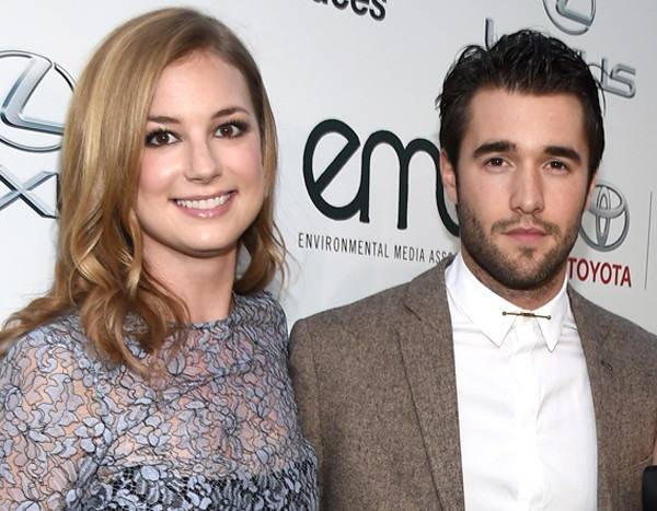 Revenge's Emily VanCamp and Josh Bowman Are Married