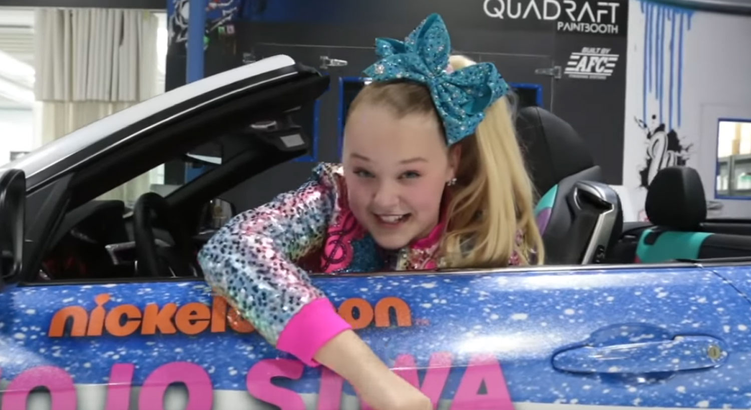 JoJo Siwa Gets Customized Car With Her Face on It for Christmas! (Video)