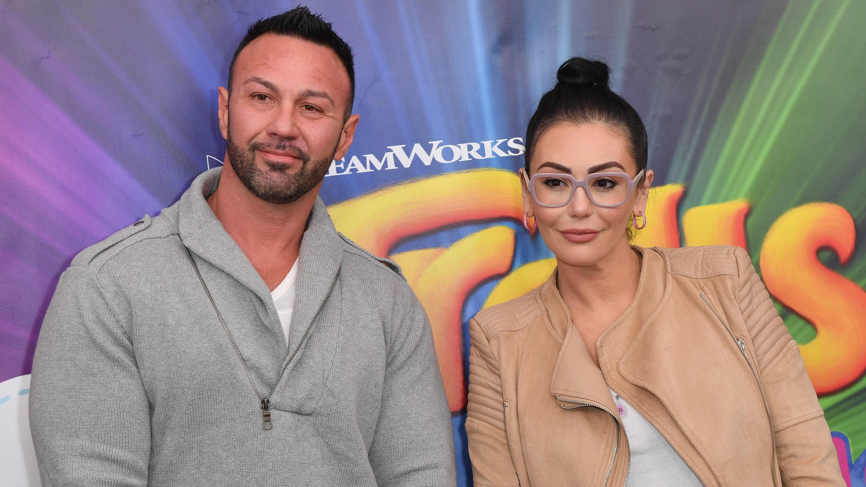 'Jersey Shore' star JWoww gets temporary restraining order against ex Roger Mathews