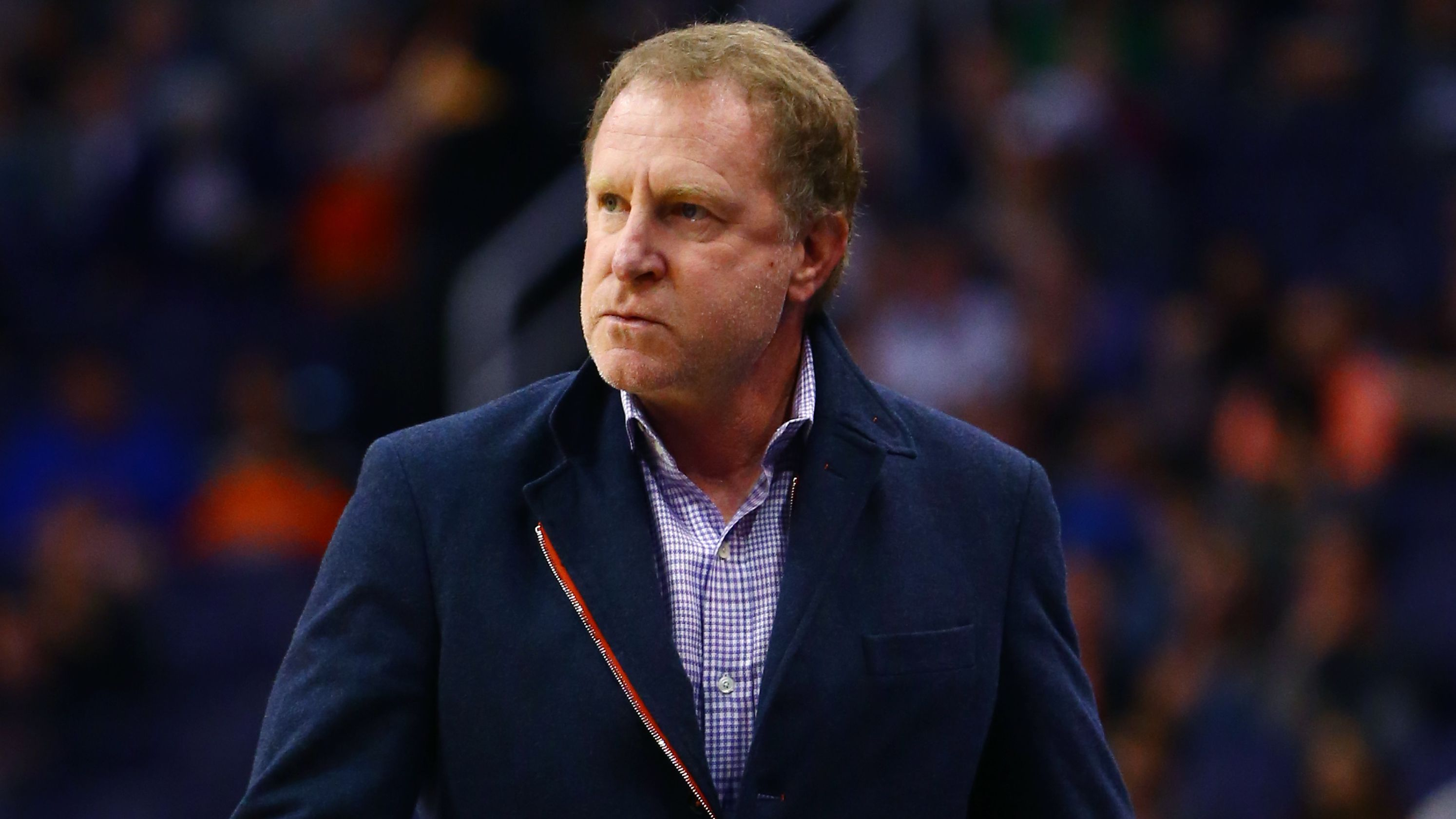 Column: Phoenix should call Suns owner Robert Sarver's bluff about moving team