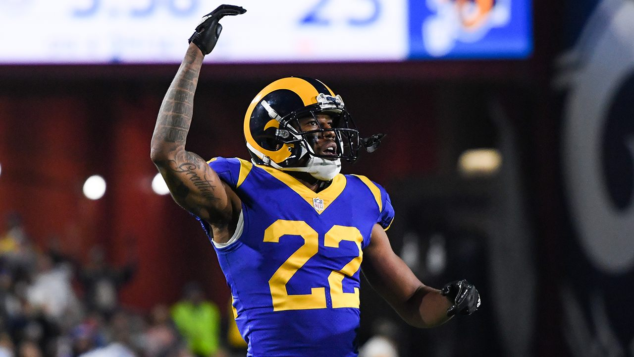 Los Angeles Rams' Marcus Peters confronts fan during game