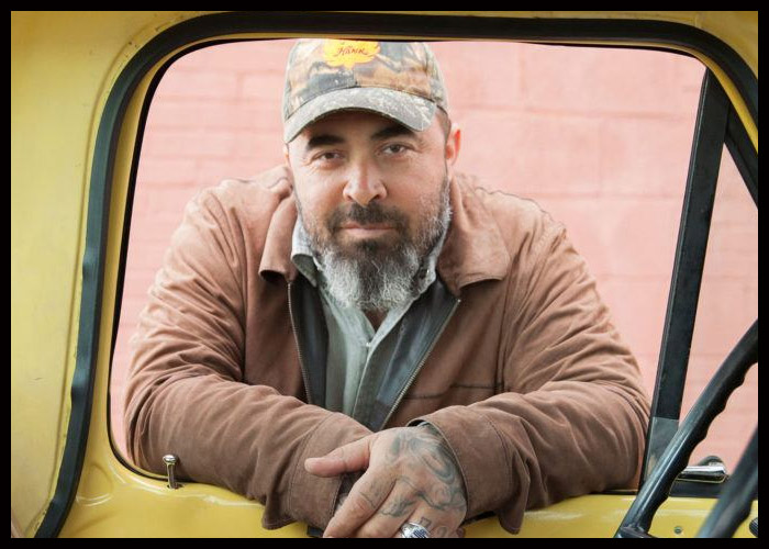Aaron Lewis Gearing Up For U.S. Tour