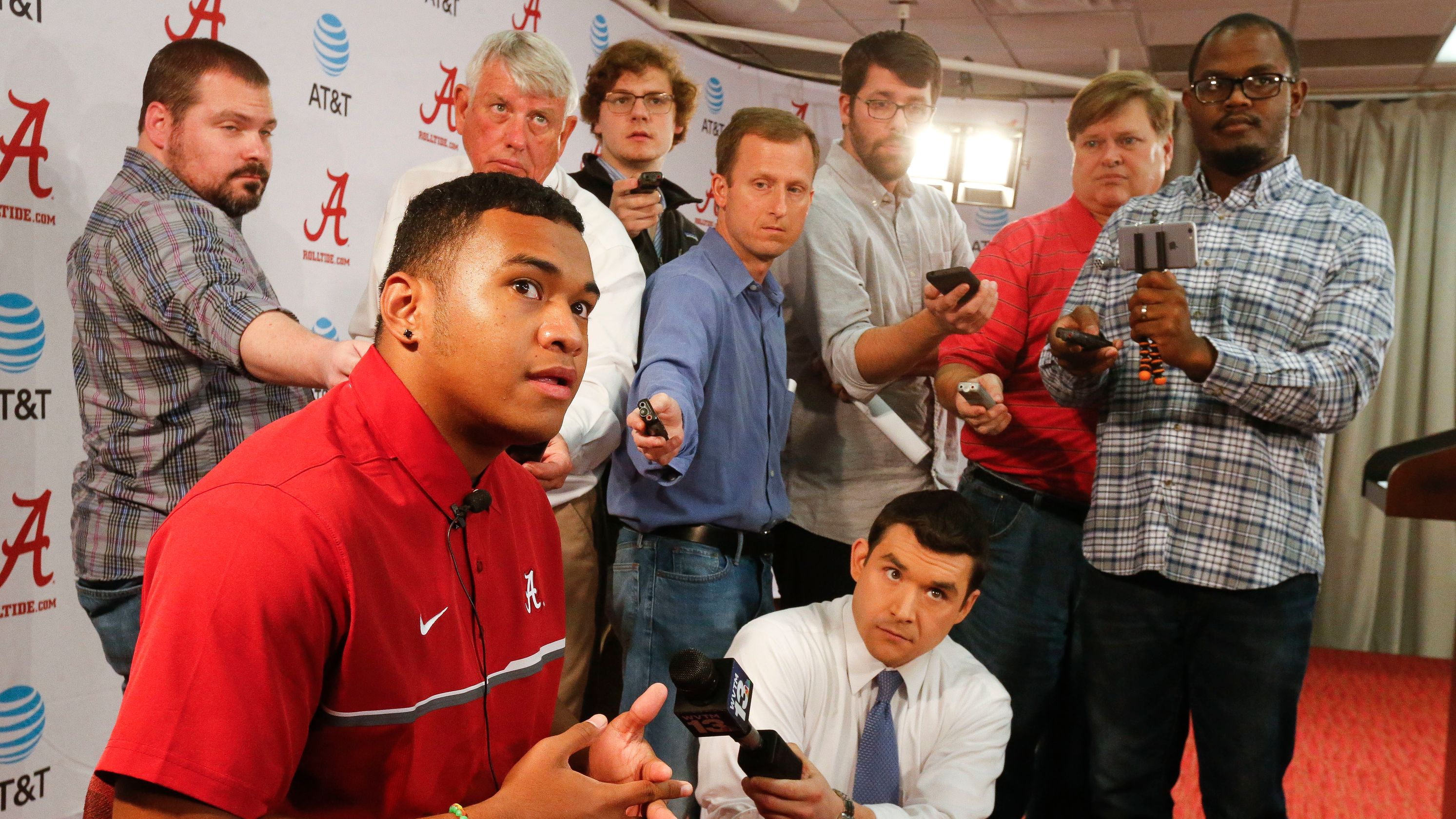 NCAA should put dent in college football superpowers by reducing scholarship limits