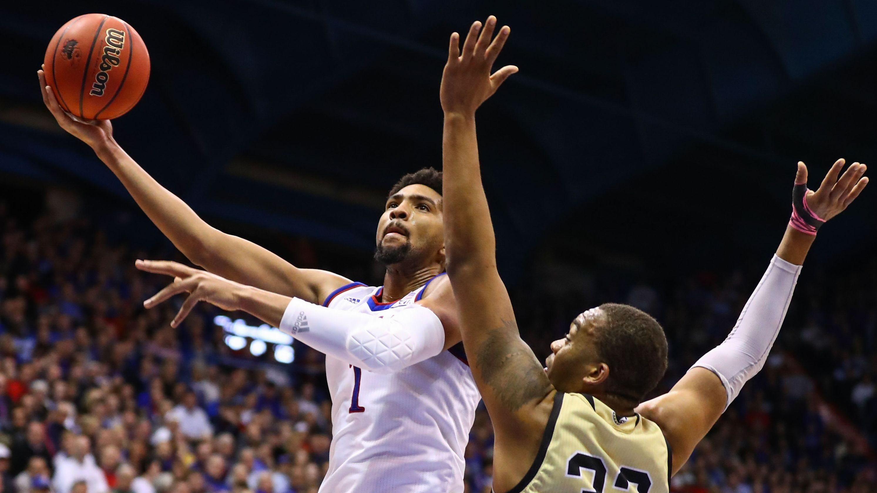Kansas takes over at No. 1 in USA TODAY Sports men's basketball coaches poll