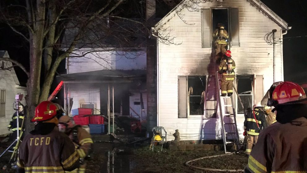'Tragedy': 3 children die in house fire while mom, 2 siblings escape alive
