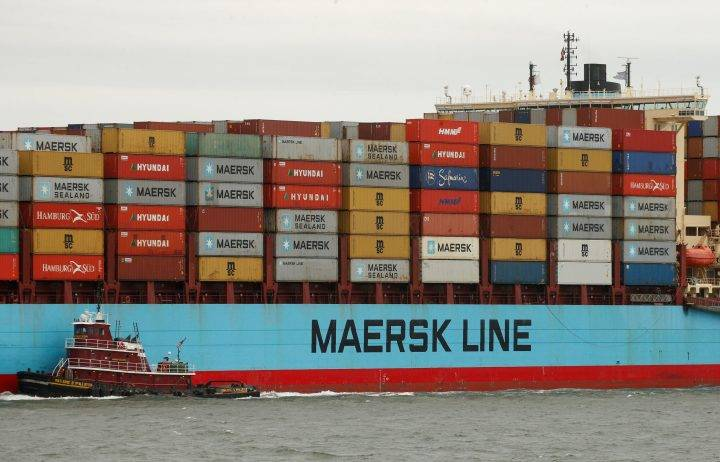 World's biggest container shipping company aims to be carbon neutral by 2050