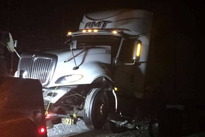 Highway 33 open after jackknifed semi blocks road south of Kelowna