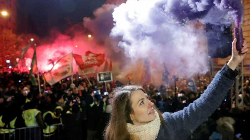 'All I want for Christmas is democracy': Thousands protest against Hungary's 'slave laws'
