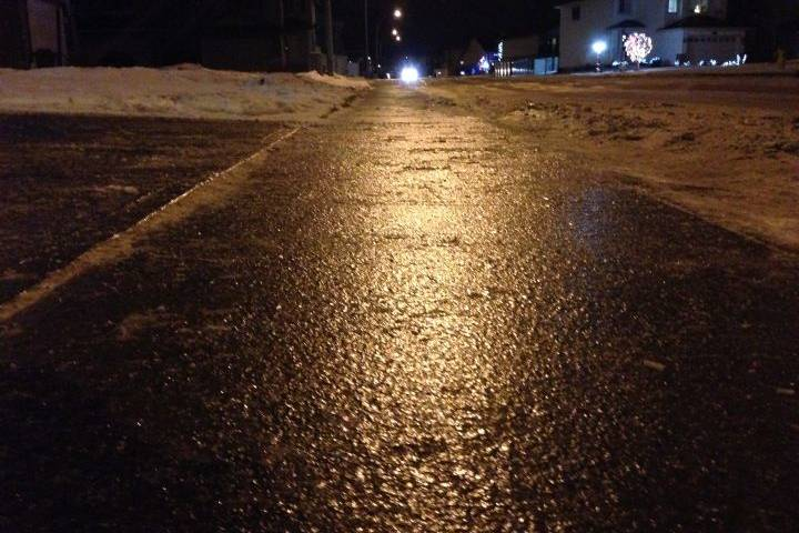 Slippery conditions have Edmonton crews working 24/7; report ice to 311