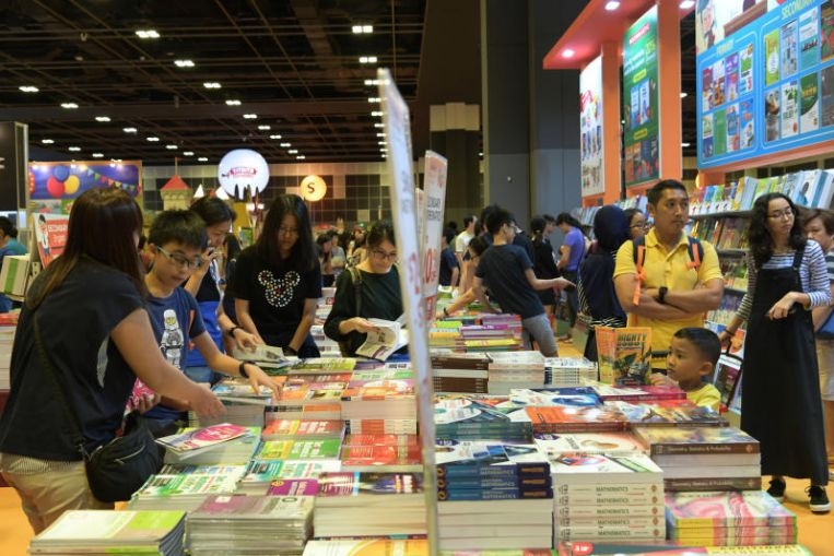 ESM Goh Chok Tong book signing a highlight at Popular's BookFest@Singapore