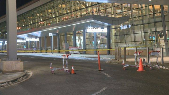 Bomb squad at Calgary International Airport after suspicious package found