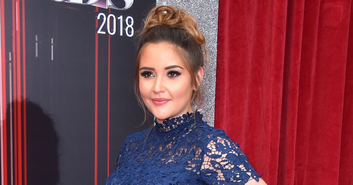 Jacqueline Jossa hits back after she's fat-shamed over sexy photos