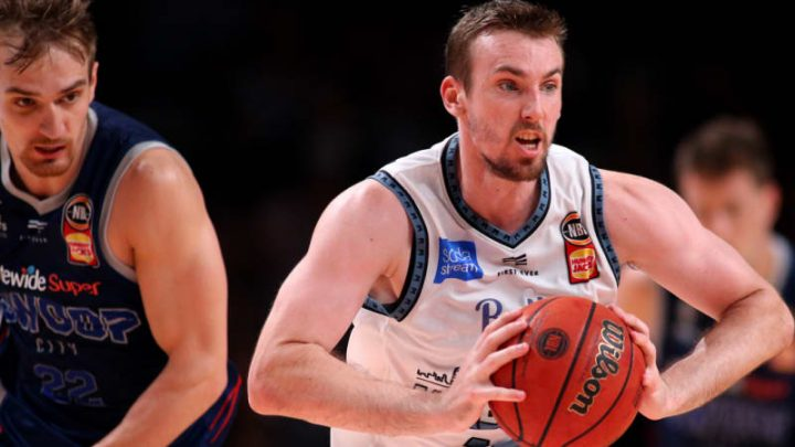 Melbourne United score statement win over feisty Adelaide