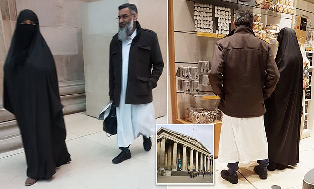 Hate preacher Anjem Choudary enjoys a day out at the British Museum