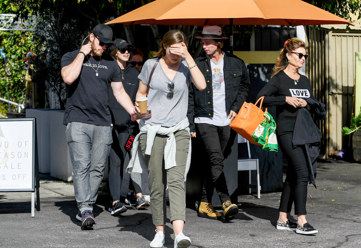Chris Pratt, Katherine Schwarzenegger Match During Outing With Her Family