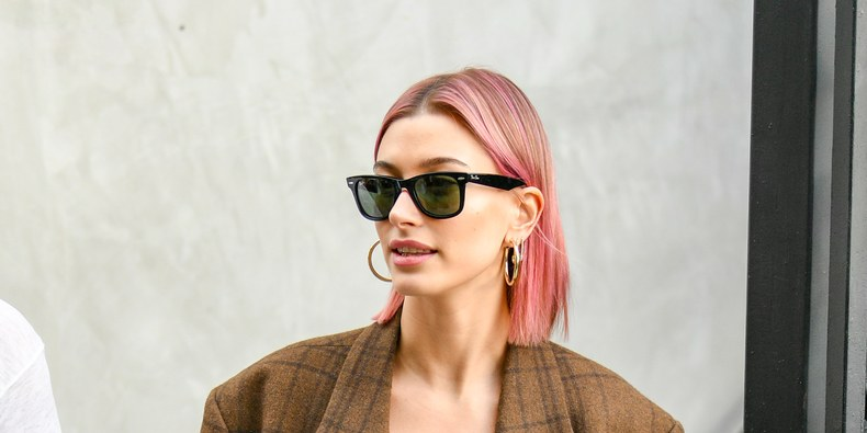 Hailey Baldwin Dyed Her Her Pink, Again