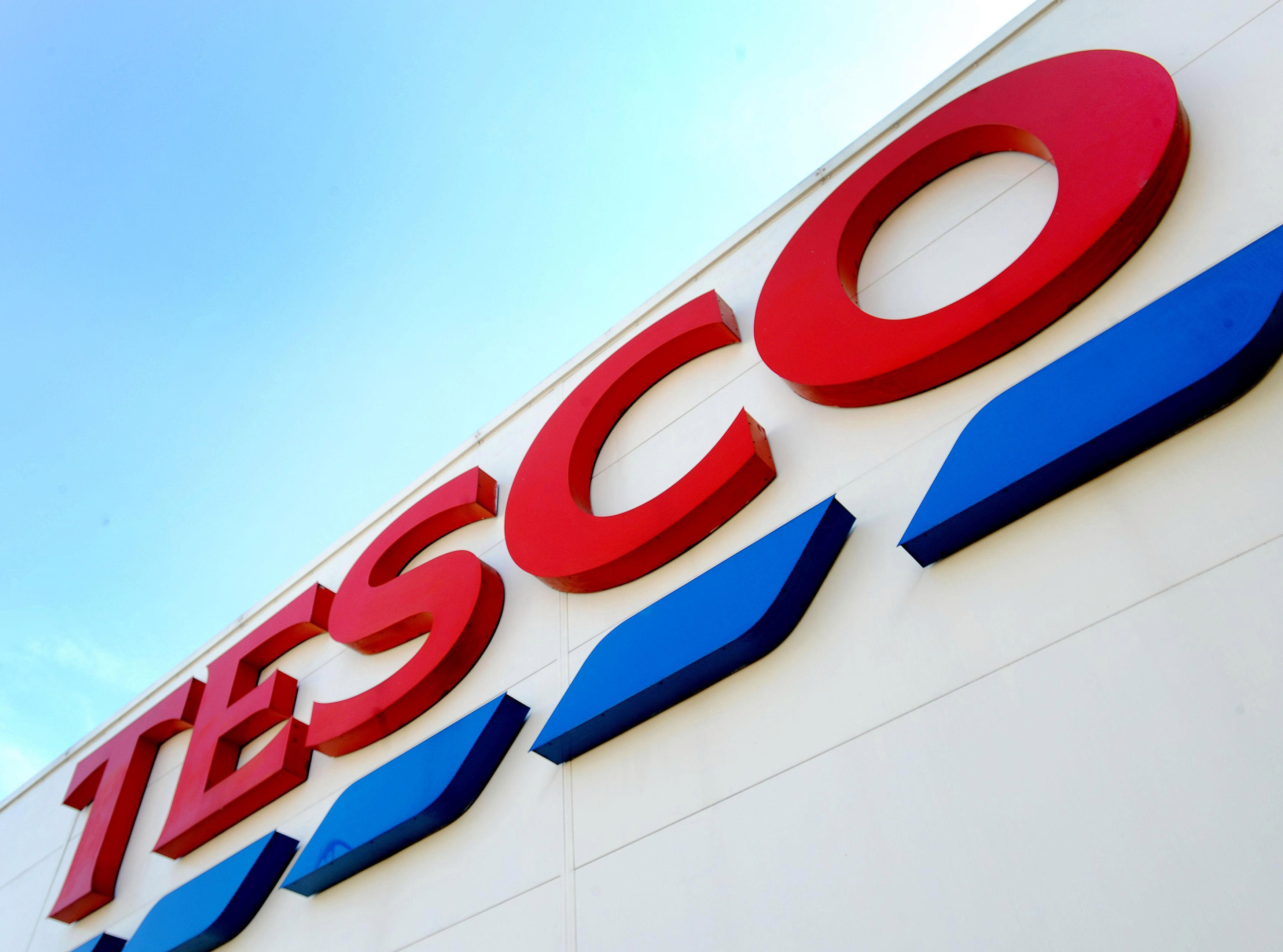 Tesco cuts the price of hundreds of products in fresh supermarket price war