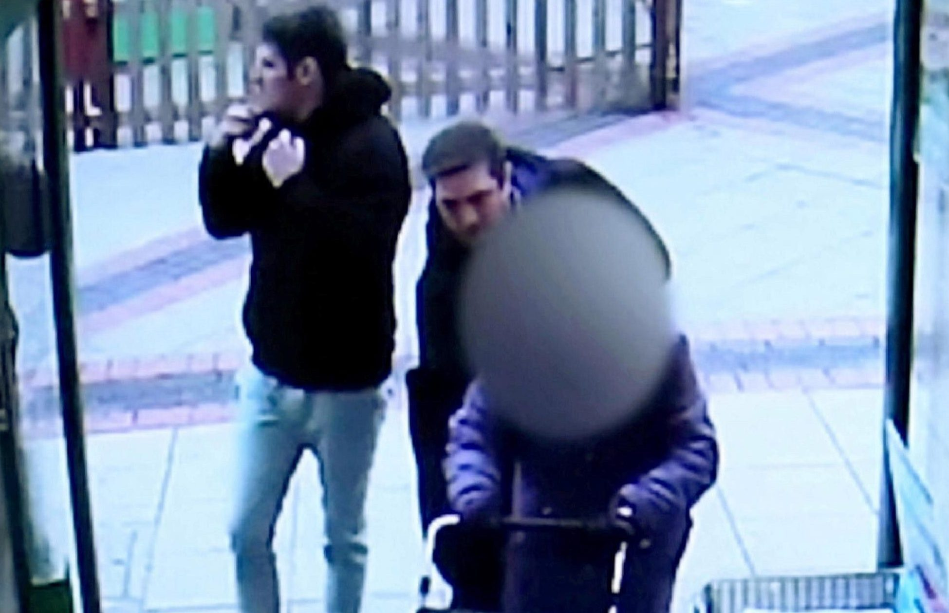 Sickening moment shameless pickpocket thief steals OAP's purse without her knowing as she goes shopping