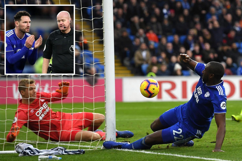 Cardiff 0 Huddersfield 0: Lee Mason penalty controversy illuminates bore draw