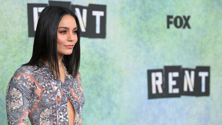 Vanessa Hudgens Shows Off Fit Body In Sports Bra And Leggings On Instagram